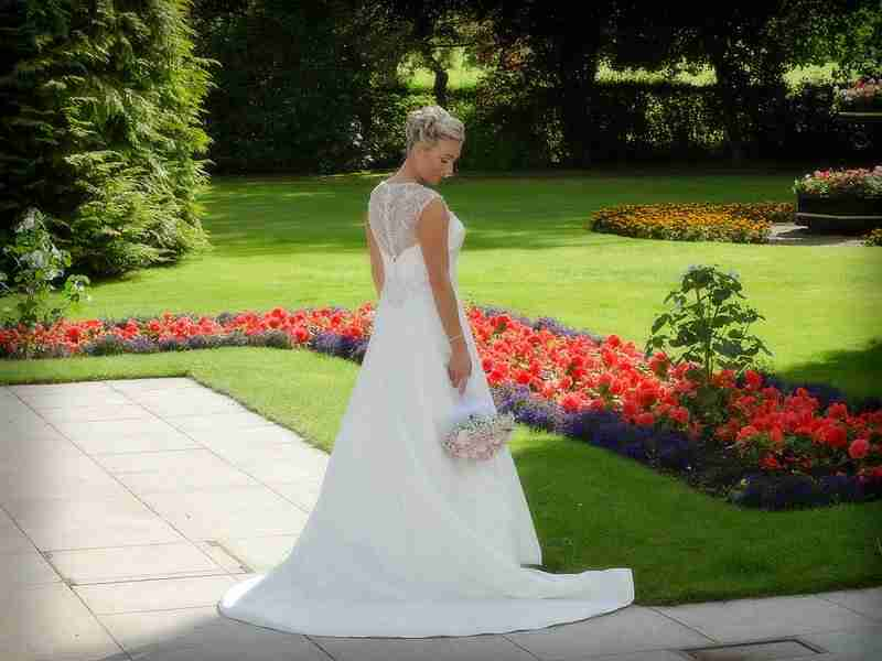 Wedding Photographer At Dean Park Hotel In Kirkcaldy